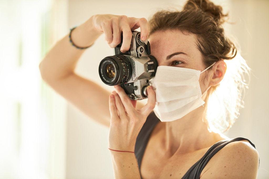 photographer-wearing-mask